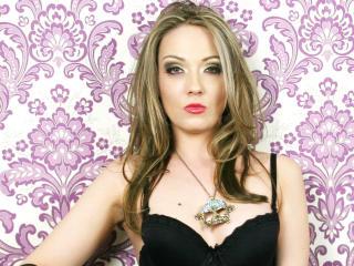 QueenAgnessa live BDSM sex show