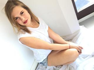 AliceMagic online stripper