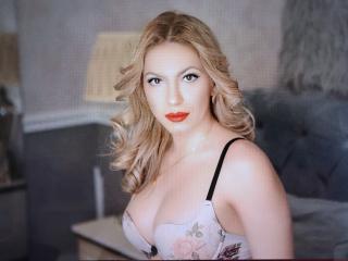 Webcam model AbbyGraceful from XLoveCam