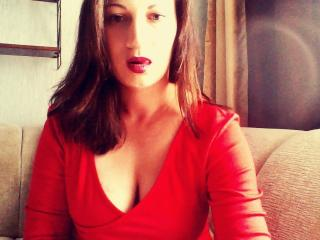 Webcam model CatQMilff from XLoveCam