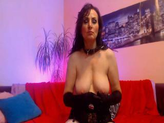 Webcam model FetishReves from XLoveCam