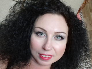 HairyQueenX oil striptease