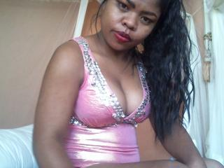 Webcam model JessieLove69 from XLoveCam