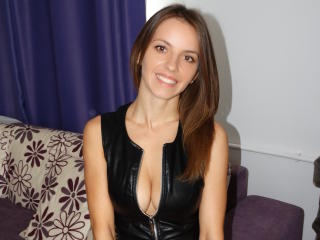 Webcam model MissJoliSourire from XLoveCam