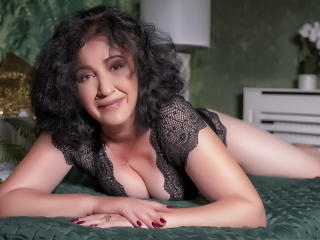 Webcam model MadameChance from XLoveCam