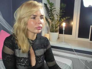 Webcam model PassionateCherry from XLoveCam