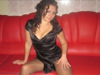 Webcam model PaulaHoldo from XLoveCam