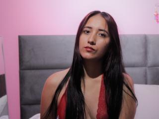 Webcam model SallyJonness from XLoveCam