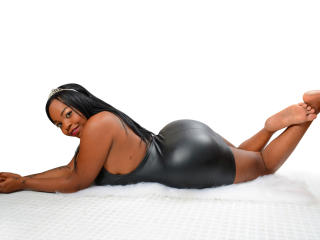 Webcam model ShaielSexyHot from XLoveCam