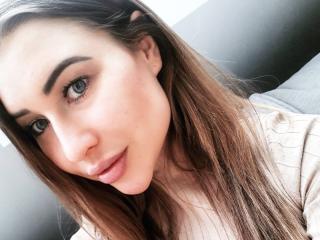 Webcam model FlorenceSunFlower from XLoveCam