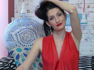 Webcam model BeaMoonn from XLoveCam