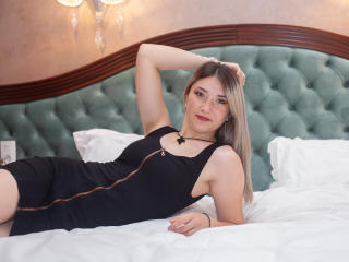 Webcam model JudyRhea from XLoveCam