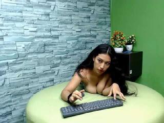 Webcam model MoiraX from XLoveCam
