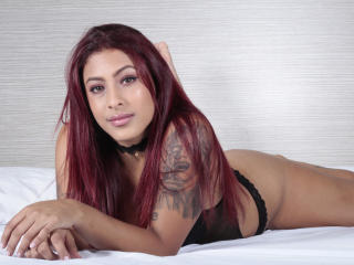 Webcam model LiisaLee from XLoveCam