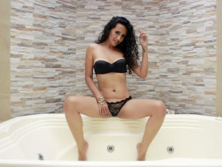 LucianaSexy - online chat sex with this shaved sexual organ Sexy girl